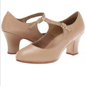 Capezio Womens Manhattan Character Shoes Size 8M